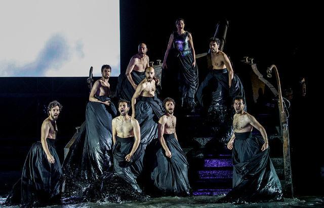 Teatro e danza: nelle produzioni teatrali e di danza l'uso promiscuo dei camerini è da evitare.