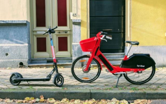 È tempo di e-bike e monopattini elettrici: ad ognuno il suo