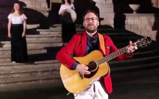''Affacciabedda'', le serenate itineranti del cantautore Mario Incudine