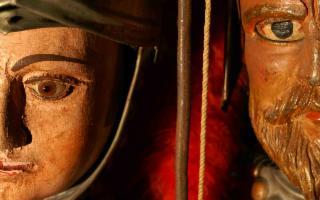 Morettino al fianco del Museo delle marionette e dei pupari siciliani