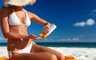 Le nuove creme solari che rispettano la pelle e l'ambiente