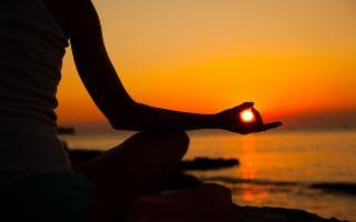 Allenarsi e meditare all'aperto: sta anche qui il segreto della felicità