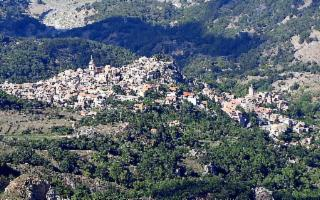 Andar per Borghi (in Sicilia), fa bene al cuor, all'anima e non trovi ingorghi...
