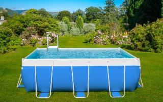 La piscina in giardino è veramente un ''lusso'' alla portata di tutti...