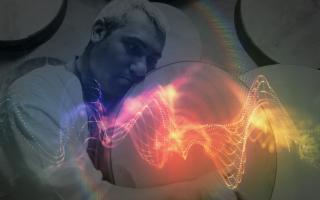 L'atavica vibrazione del cuore della Sicilia arriva dai tamburi di Fabrizio Fazio