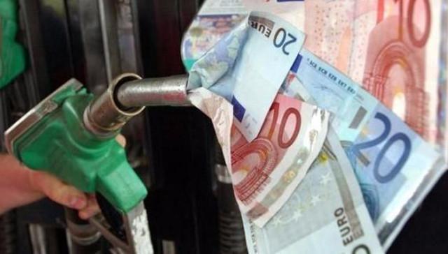 In Sicilia il prezzo della benzina ha superato i 2€