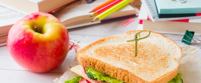 Secondo una indagine Coldiretti, nell'anno scolastico segnato dal Covid, per più di uno scolaro su tre la merenda sarà preparata a casa da genitori e nonni...