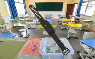 Anche nelle scuole siciliane la ''giusta distanza'' grazie al braccialetto hi-tech