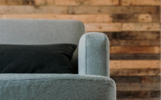 Rinnovare il vecchio divano con il fai-da-te
