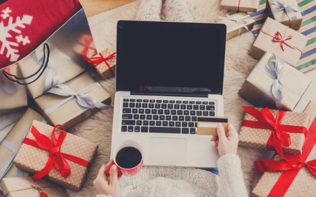 Come prepararsi per la maratona dello shopping online natalizio