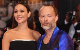 Thom Yorke e Dajana Roncione regalano cinque LIM alla Scuola Veneziano di Monreale