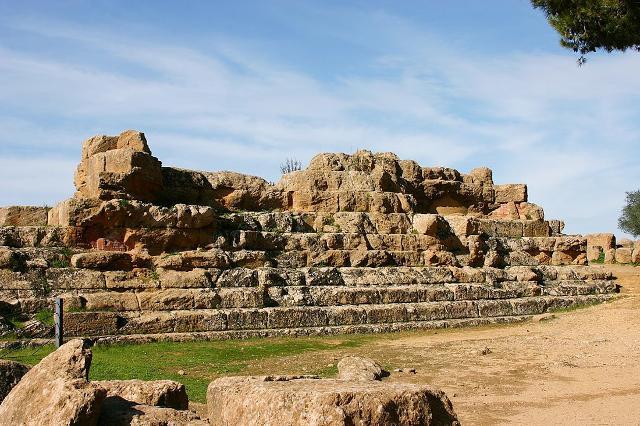 I ruderi del Tempio di Giove Olimpo (Zeus), Valle dei Templi