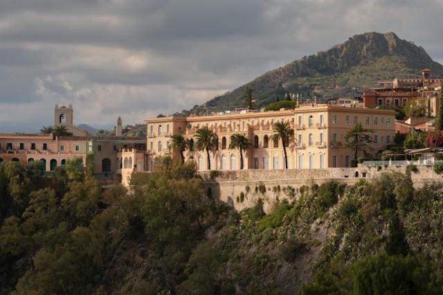 Si aprono le prenotazioni per il leggendario San Domenico Palace di Taormina