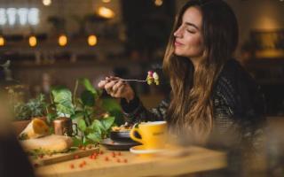 Lo sapevate che la pasta di sera combatte insonnia e stress (e non ingrassa)?