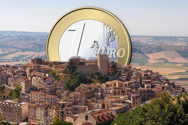 Il borgo di Salemi rilancia il progetto ''Case a 1 euro''