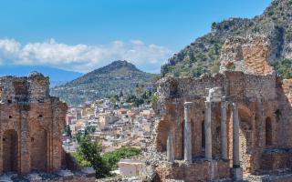 La Top 10 dei borghi italiani più ricercati online: la Sicilia supera la Toscana