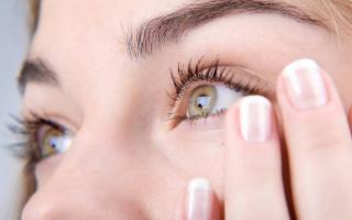 Avete presente il tremolio all'occhio? Vi diciamo le cause e come evitarlo...