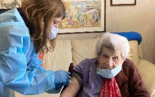 Vaccini a domicilio a cura dell'Asp di Palermo: partono le seconde dosi per gli over 80