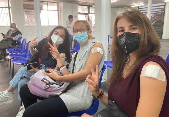 Vaccino antiCovid, boom di richieste dai 16-39enni