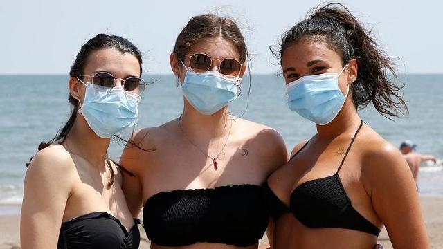 Ma col caldo estivo come fare a sopportare le mascherine?