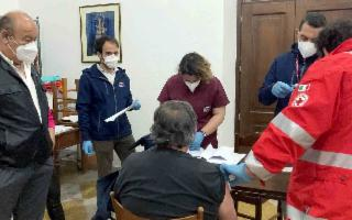 ''Accanto agli ultimi''. Il vaccino fa tappa nei quartieri di Palermo