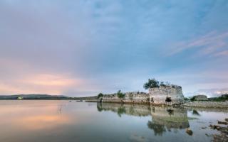 Dal lago Arancio riemerge il fortino di Mazzallakkar e Sambuca di Sicilia diventa ancora più preziosa