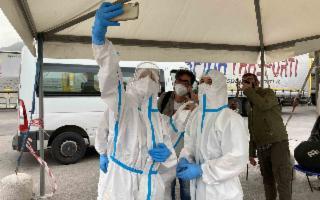 L'omaggio di Lello Analfino per i lavoratori dell'emergenza sanitaria