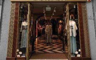 UOMAN, il primo brand femminile ''senza taglie'', inaugura a Palermo