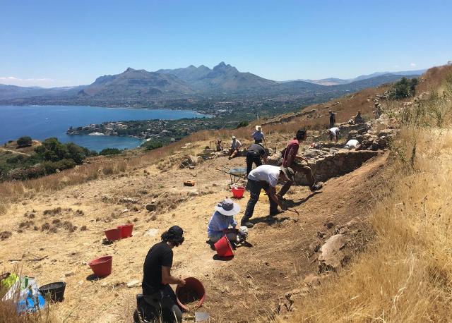 Gli archeologi contro il  ''modello siciliano'' del governo regionale