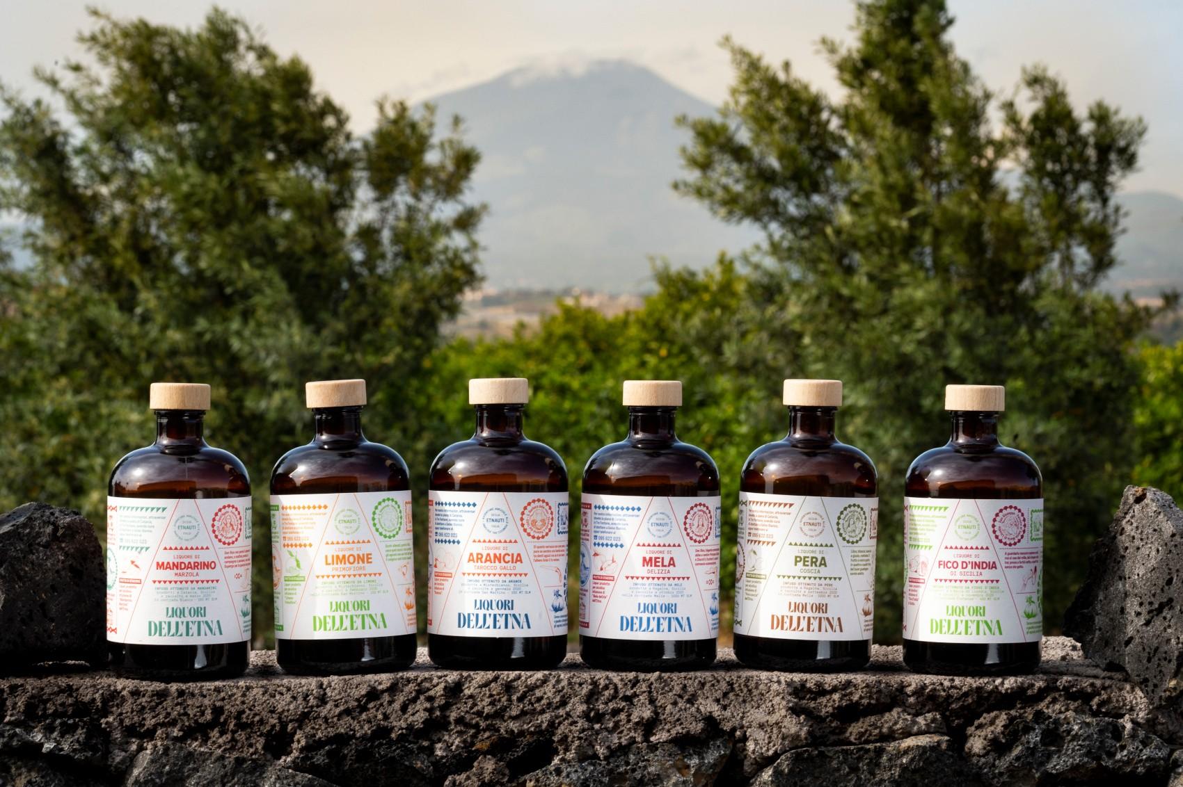 """7 liquori """"agricoli"""" per 7 personaggi: arrivano i Liquori dell'Etna"""