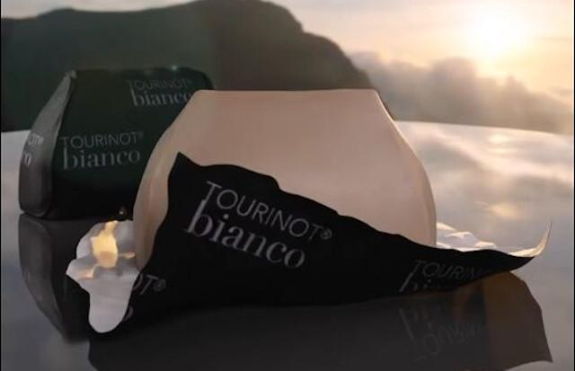 Giandujotto sposa la Sicilia e nasce il Tourinot bianco