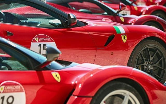 Grande festa Ferrari a Cavanera sull'Etna