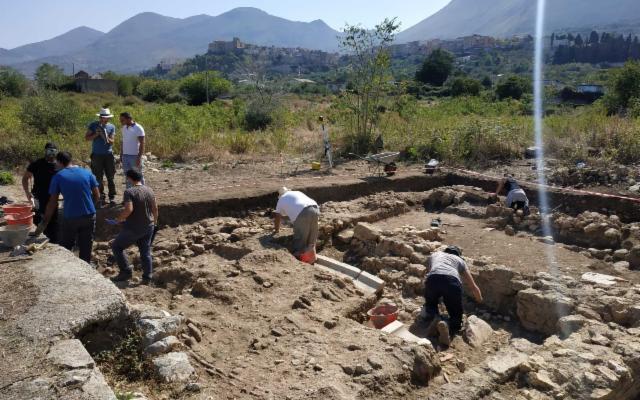 Si scava nell'antica Hyccara, a Carini in contrada San Nicola