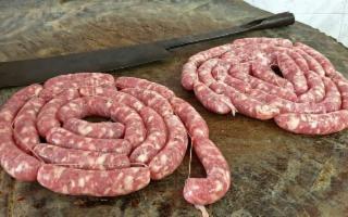 Ancora un Presidio Slow Food in Sicilia: è la salsiccia al ceppo di Linguaglossa